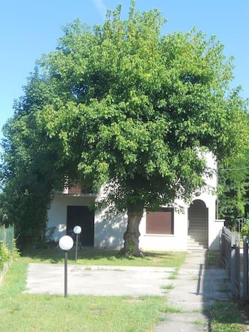 Casa tranquilla in centro storico - Piove di Sacco - House