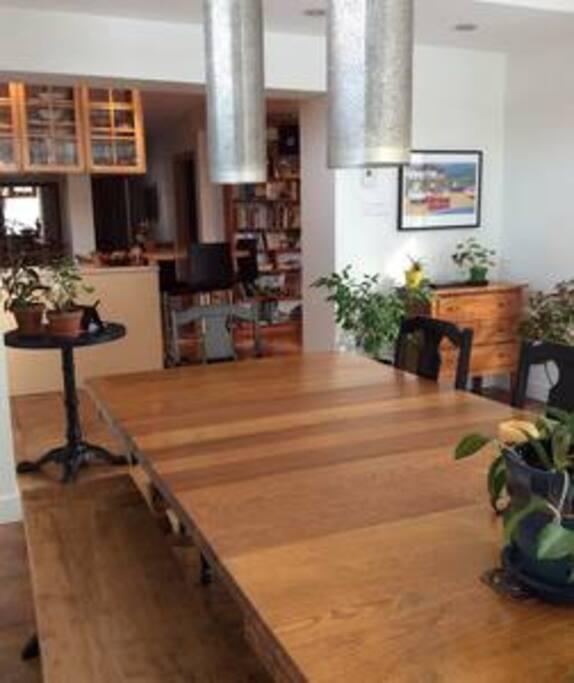 Salle à manger (véranda) - RDC dining room - main floor
