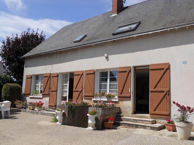 Maison de campagne proche Blois - Landes-le-Gaulois - ที่พักพร้อมอาหารเช้า