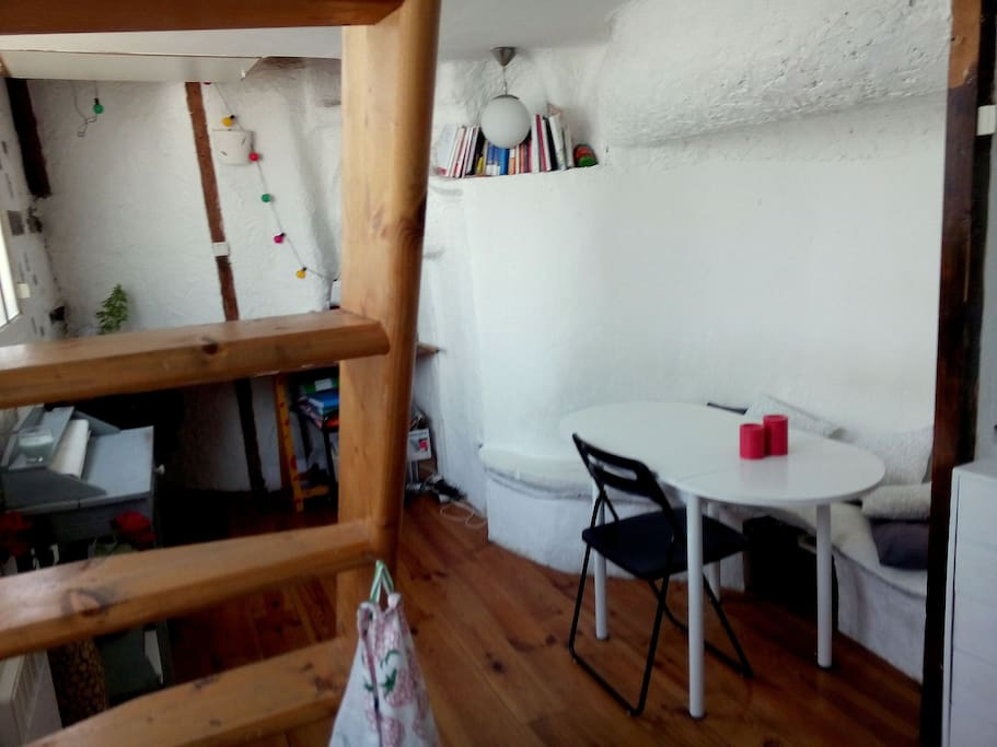 Joli atelier d 39 artiste central 30m appartements louer paris le d - Location atelier artiste lyon ...