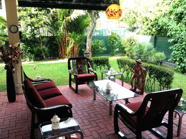 Garden Serenity Twin Room +Airport Pickup - Kota Kinabalu - Huis