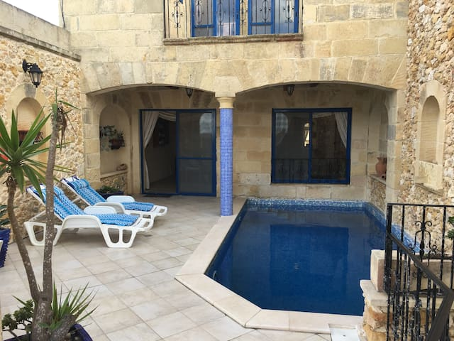 Stunning House of Character with Pool & Views! - In-Nadur - Casa