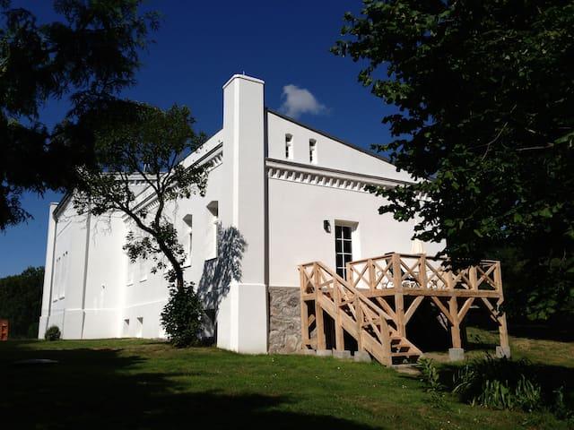 Parkblick:Wohnen im Gutshaus/Müritz - Sietow - Castell