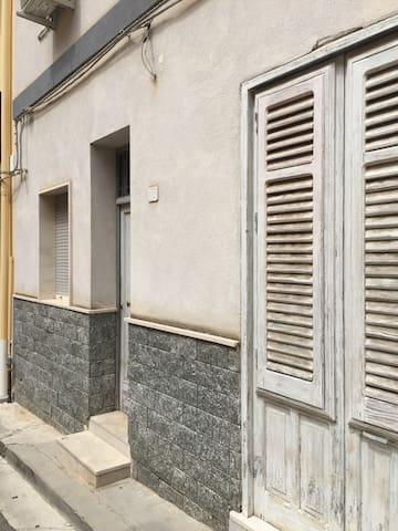 Appartamento indipendente a Cinisi - Cinisi - Pis