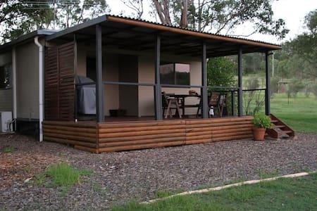 Hunter Homestead Cottage - Cabin
