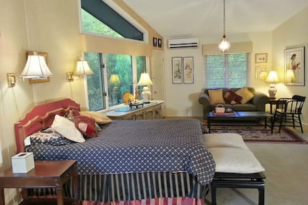 BoulderHaven Bed and Breakfast,Ojai