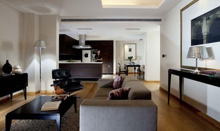 Classy Mayur Vihar 1-Bed Apartments