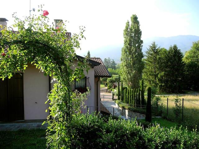 Accogliente villa con parcheggio - Morosolo -Casciago