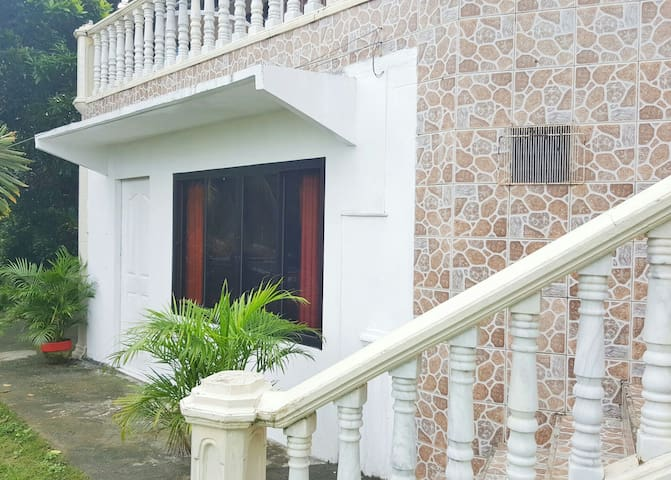 Yama Byu Apartment (sea & mountain view) - Puerto Galera - Huoneisto