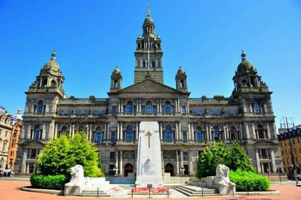 George square at walking distance