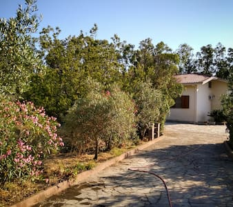 Tranquil villa beside Monte Arci national park