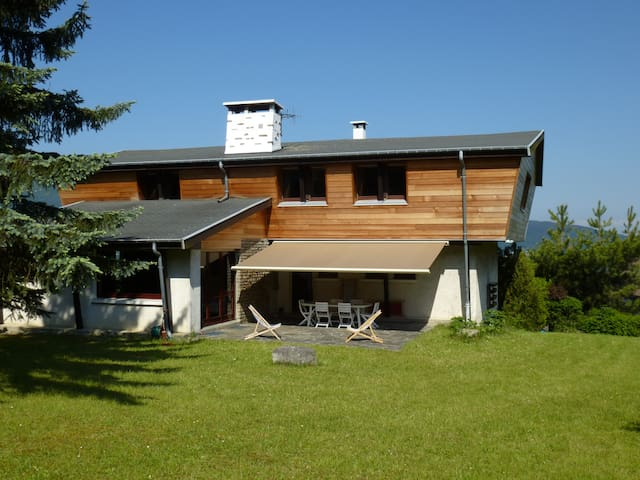 LARGE CHALET   – LAKE ANNECY