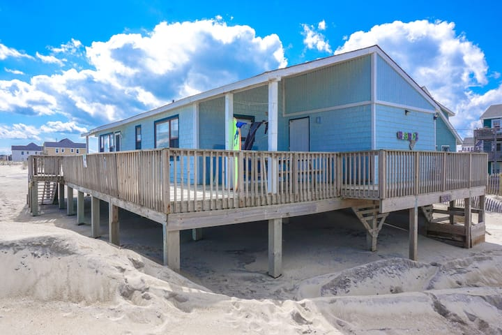 Oceanfront 3 bedroom with everything you need!
