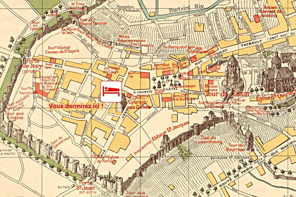 Un emplacement idéal au cœur de la cité médiévale, dans l'enceinte des remparts de Provins.