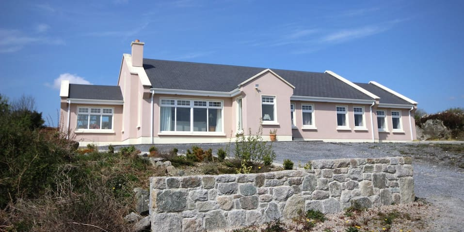 The Uplands, Spiddal - Spiddal Holiday Homes