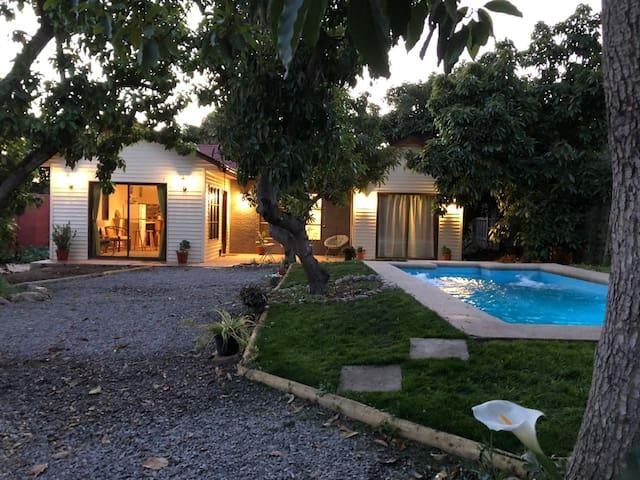 Casa nueva con piscina.