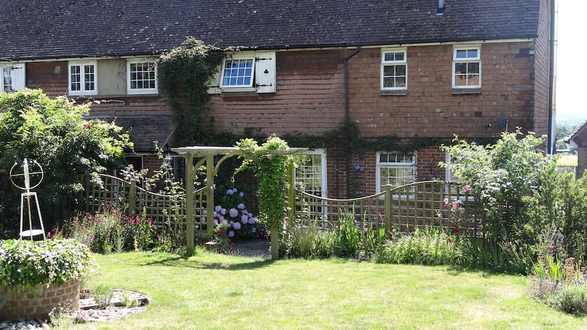 Double room with Views, rural Kent - Goudhurst - House