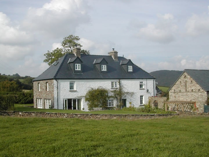 Farmhouse Large Twin B&B near Brecon