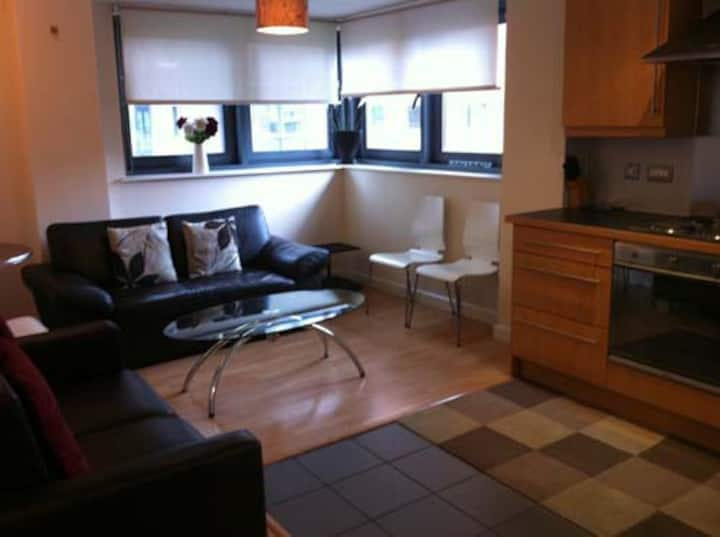 2 bed apartment with car parking