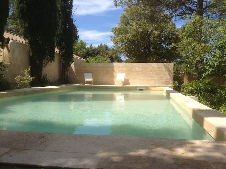 Villa avec piscine villas for rent in aix en provence for Piscine miroir aix en provence
