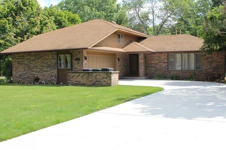 Home rental Kohler, WI 2550 sq ft - Kohler