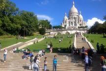 Sacre Coeur, monument historique et lieu de culte international à côté de l'appartement