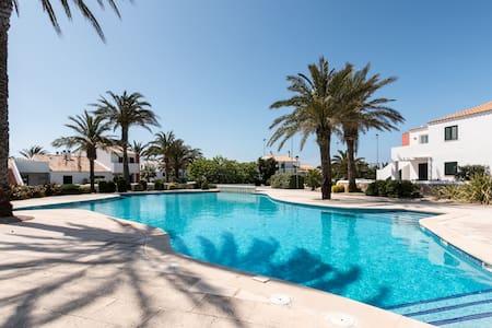 Paradise - Ciutadella de Menorca - Szeregowiec