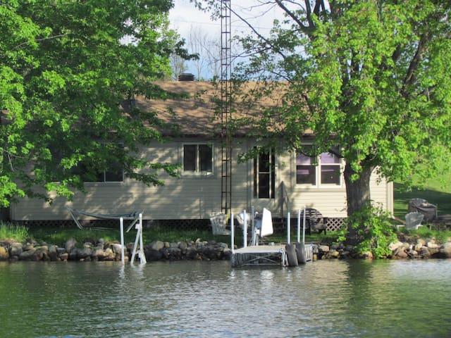 Lake Escape on the Upper Rideau
