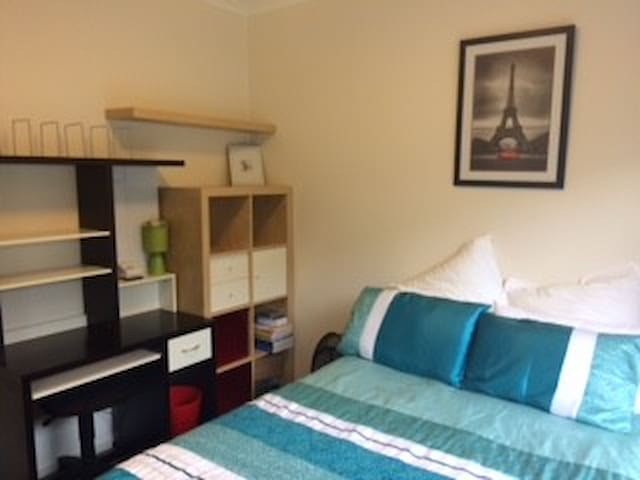 7kms from City Centre - Spa & Sauna - Edwardstown - Huis