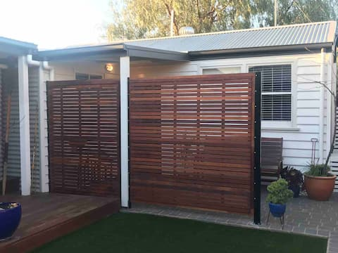 Cute Bungalow in Trendy Geelong West