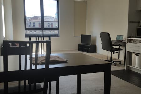 1 Bedroom Apartment CBD