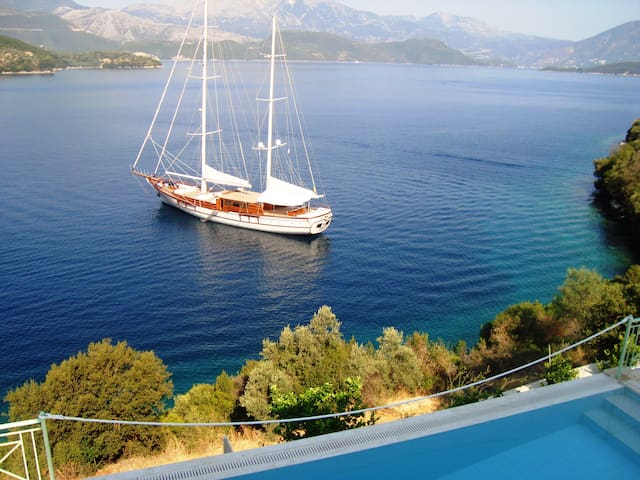 Luxury villa Sea Pearls on the waves . - Lefkada - House