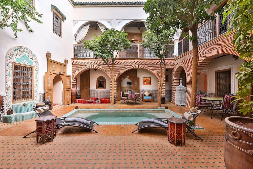 Riad fleur d 39 orient marrakech gr bed breakfasts for for Airbnb marrakech