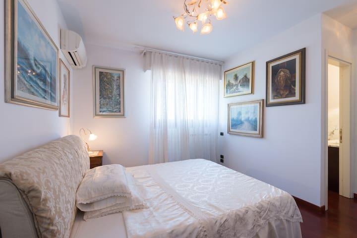 Michelangelo, charming and quiet double room. - Lastra - Villa