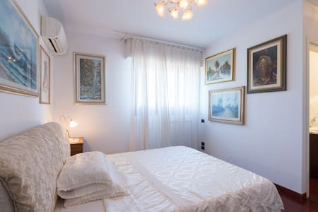 Michelangelo, charming and quiet double room. - Lastra - Vila