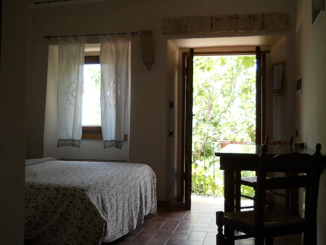 Enjoy real Italian countryside   ! - Forcella, Pescosolido - Huis