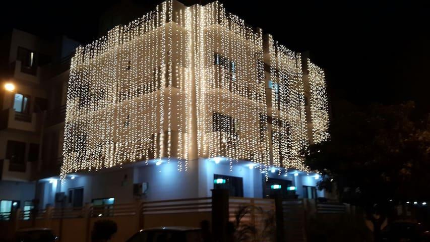 25 room with banquet furnished baraat ghar Noida