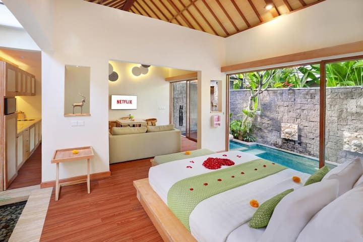 Tropical 01BR Private Pool Villa Central Legian