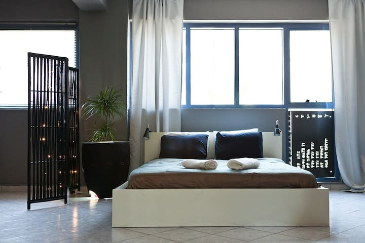 Zen Loft in downtown-Gazi - Athina - Loft