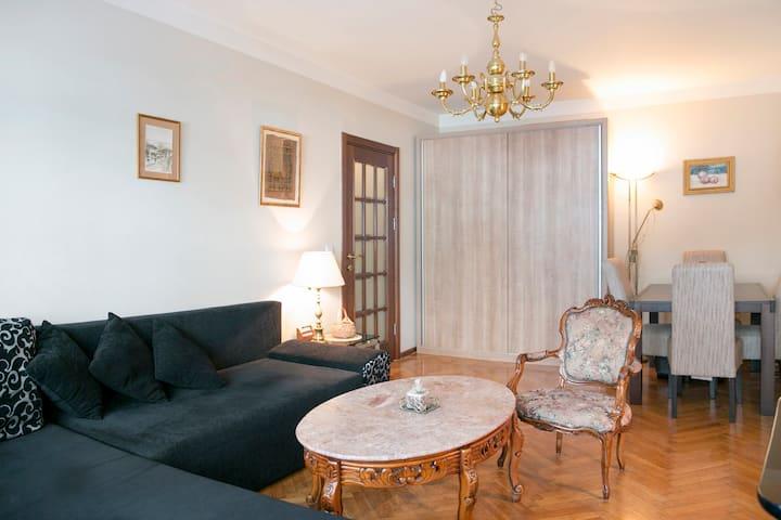 *Charming* Apartment on Vracar