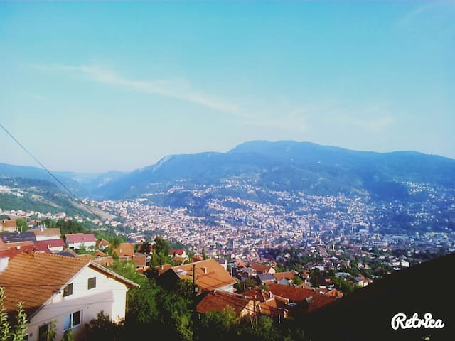 Amazing view with included parking - Sarajevo - House