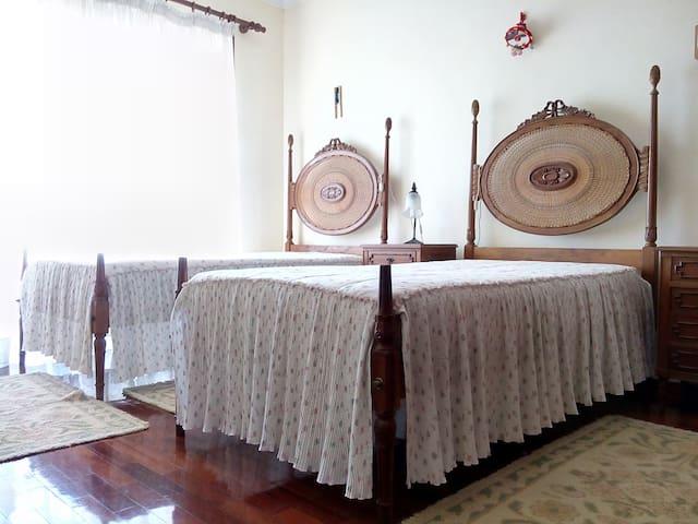 Quarto triplo em moradia em Espinho - Espinho - House