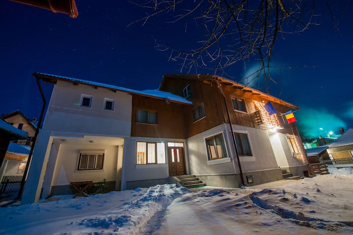 Cozy cottage near to Bran Castle