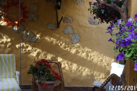 Appartamento con giardino  e wi fi - Porto Torres - Wohnung