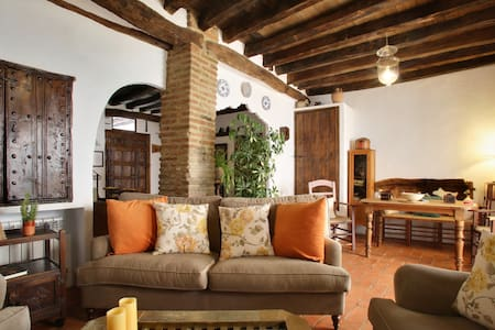 Casa  Los Abuelos - Casa