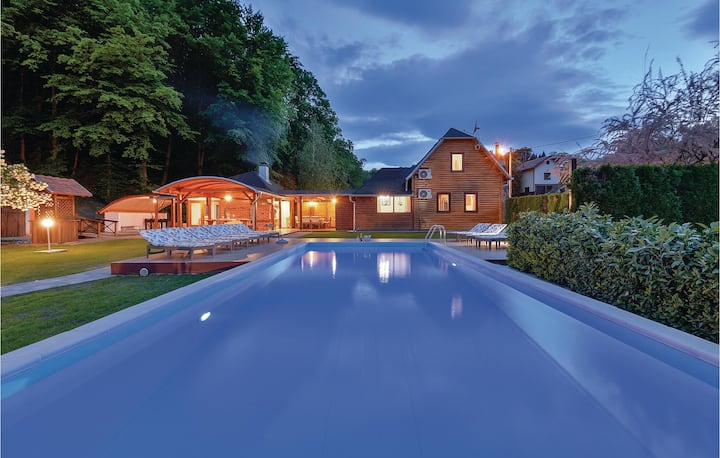 Nice home in Beretinec with Sauna, WiFi and Outdoor swimming pool
