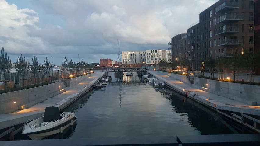 Modern 2 bedroom apt. in CPH. Close to the water! - København - Apartment