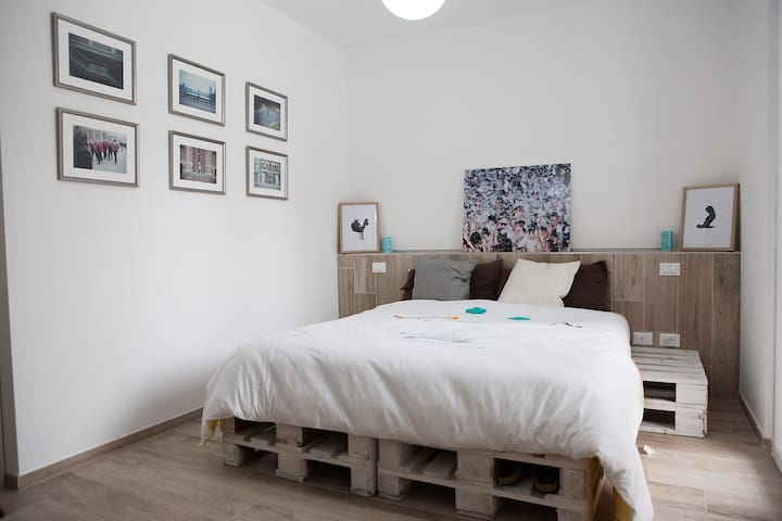 Beautiful Room in Senigallia _ Velvet beach and SJ - เซนิกัลเลีย - บ้าน