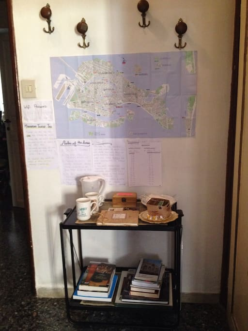 Books and maps available for consultation.