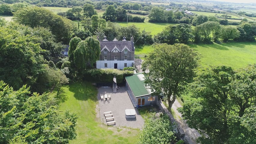 5* The Old Rectory, Newport